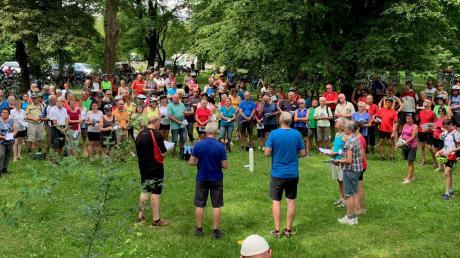 Bei der 15. Radwallfahrt sind 240 Teilnehmer von Donauwörth nach Augsburg gefahren.