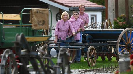 Normen und Renate Grundgeir mit ihrem Sohn Ferdinand leben in Nordendorf.