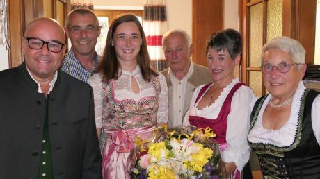 Ein Gasthaus feiert 100 Jahre Verbundenheit mit dem Augsburger Brauhaus: (von links) Sven Rießbeck, Jürgen, Nadine, Matthias, Irene und Luise Seiler.