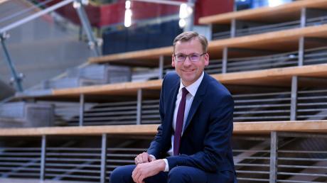 Der 45-jährige Christian Engel ist neuer Schulleiter des Paul-Klee-Gymnasiums in Gersthofen.
