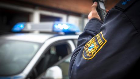 Die Polizei Gersthofen sucht nun Zeugen, die den Unfall beobachtet haben.
