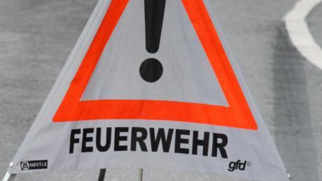 Einen Großeinsatz der Feuerwehr gab es in Gaimersheim, weil eine Batterie explodiert ist.