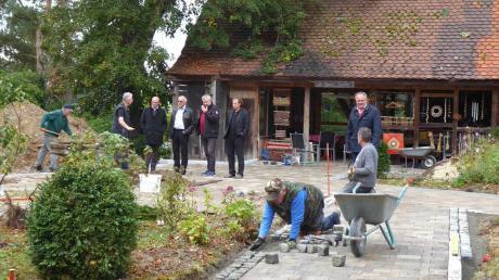 Josef Guggenmos, Fabian Mehring, Wolfgang Lichtblau, Peter Pistrosch, Bernhard Uhl und Edgar Kalb besichtigten die Arbeiten an der Innenanlage.