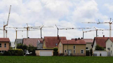 Die Preise für Baugrundstücke im Landkreis Augsburg steigen immer weiter. Wer kann sich das noch leisten?