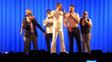 Ein Garant für gute Laune: die Gruppe Cash-n-Go beim Auftritt der in Rothtalhalle in Horgau.
