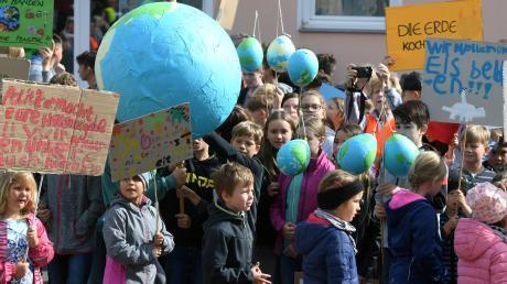 In Fischach haben die Kinder mit ihrer Demonstration schon etwas bewegt. Im Marktgemeinderat wurde nun lebhaft diskutiert, was für den Klimaschutz getan werden kann.