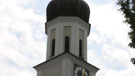 In der Kirche St. Martin in Heretsried haben Diebe am Sonntag den Opferstock aufgebrochen und einen Hostienkelch aus dem Tabernakel entwendet.