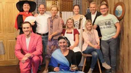 Lacher garantiert: Eine gut gelaunte und verschworene Truppe ist bereit, die Erfolgsgeschichte von 55 Jahren Stettenhofener Bühne weiter zu schreiben. Am 2. November ist Premiere.