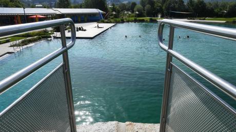 Ähnlich wie das Naturfreibad in Fischach könnte auch das neue Bad in Adelsried aussehen.