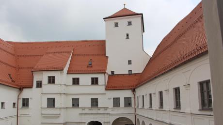 Die Bayerische Landesausstellung 2020 wird unter anderem im Friedberger Schloss zu bestaunen sein. Alles zu Öffnungszeiten, Eintritt und Führungen lesen Sie hier.