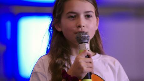 """Die zehnjährige Pia rührte das Publikum mit einem kleinen Solo aus """"Die Schöne und das Biest""""."""