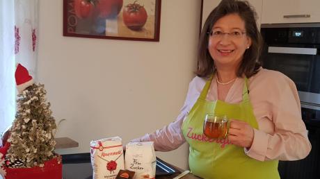 """Susanne Lerbinger aus Stadtbergen kocht und backt leidenschaftlich gern. Ihr Weihnachtsdrink """"Mulled Cider"""" ist im neuen Zuckerguss zu finden."""
