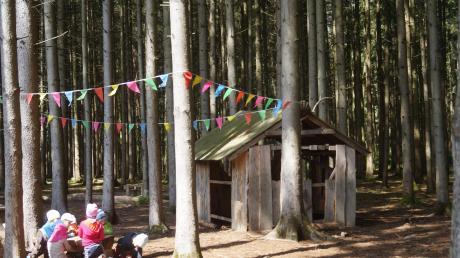 Waldkindergärten sind angesagt, wie hier in Friedberg. Nun soll auch in Agawang einer errichtet werden.