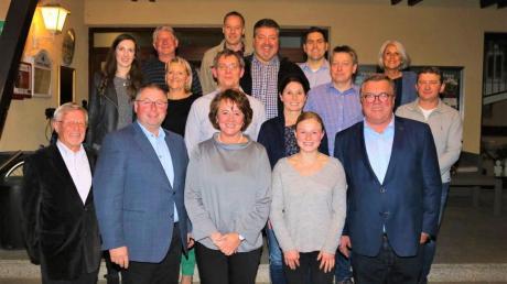 Die Kandidaten der CSU-Liste für den Gablinger Gemeinderat stellten sich zum Gruppenfoto.