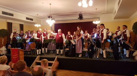 Viel Applaus erhielten die Aktiven des Musikvereins Westendorf und Umgebung bei ihrem Herbstkonzert.