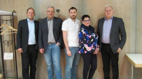 Unter Leitung von Bezirksgeschäftsführer Tilo Treede (links) stehen Michael Chytry, Dominik Steinle, Astrid Oberhausen und Johann Kohler nach der Neuwahl dem BDS Horgau als Vorstand vor.