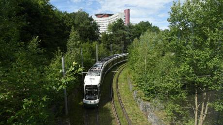 Auf welchem Weg wird die Straßenbahn das Stadtgebiet von Neusäß erschließen? Der Bürgermeister sieht die Präferenz bei der Linie 5.