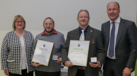 Ehrung für ehrenamtliche Verdienste in Archäologie: (von links) Claudia Ried, Peter Linke, Willem Haegebaert und Martin Sailer.