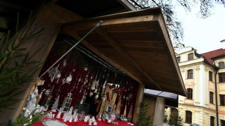 Der Engerlmarkt in Thierhaupten sowie die dortige Krippenausstellung lassen adventliche Stimmung aufkommen, wenn es auch noch nicht geschneit hat.