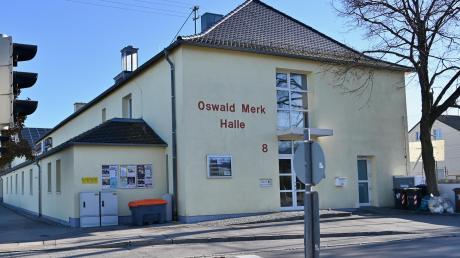 Die Oswald-Merk-Halle in Leitershofen ist in die Jahre gekommen und soll nun endlich saniert werden.