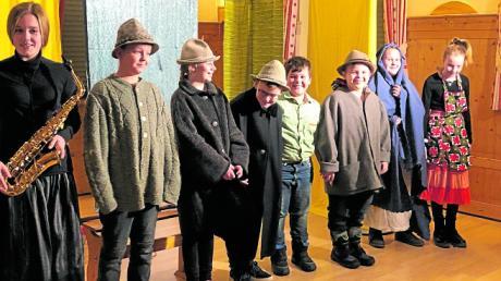 """Die Kinder spielten die """"Schwäbische Herbergssuche"""" bei der der Adventfeier in Ellgau."""