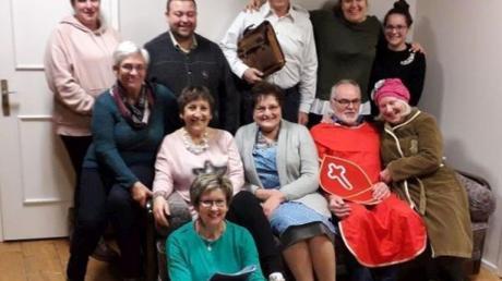 Die Theaterfreunde aus Adelsried stehen an den Tagen um Weihnachten wieder auf der Bühne.