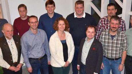 Sie treten für die CSU in Kutzenhausen als Gemeinderatskandidaten an: (hinten von links) Bernhard Mayer, Markus Dörle, Elija Wiedemann, Gerhard Schwarz und Markus Merk sowie (vorne von links) Martin Mayr, Peter Spengler, Karin Glockmann, Dirk Pelzeter, Christoph Winkler und Rudi Kaiser.