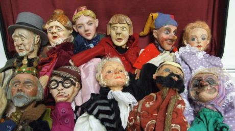 """Während des Fischacher Weihnachtsmarkts gastieren auch die örtlichen Puppenspiele mit dem Stück """"Die Geisterburg"""". Gespielt wird mit Figuren, die überwiegend in den Jahren 1946 bis 1950 angefertigt wurden.Foto: Siegfried P. Rupprecht"""