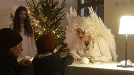 Eine wunderschöne Neuerung beim diesjährigen Engermarkt war das Wunschzettelschreiben der Kinder mit wahrhaftigen, stolzen Engeln.