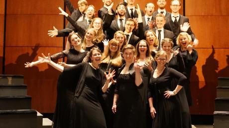 Der Projektchor Vox Animata tritt zu einem vorweihnachtlichen Konzert in St. Raphael in Steppach auf.