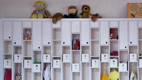 Der jahrelange Streit um den Bau eines neuen Kindergartens im Diedorfer Ortsteil Hausen hat nun zu personellen Änderungen in der Gemeinde geführt.