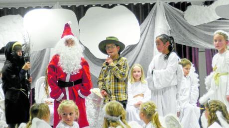 DIe Kinder der Grund- und Mittelschule in Dinkelscherben spielten eine himmlische Detektivgeschichte.