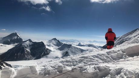 Im Frühjahr war Günter Haas mit sechs weiteren Begleitern nach siebenwöchiger Tour auf dem höchsten Gipfel der Welt.