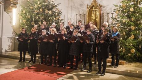 Auch in diesem Jahr begeisterte der Chor der Wallfahrtskirche Biberbach seine Zuhörer beim Weihnachtskonzert.