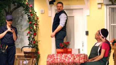 """Viel zu lachen gibt es für das Publikum bei """"Kräuterschnaps und Fehlalarm"""" von der Heimatbühne Westendorf."""