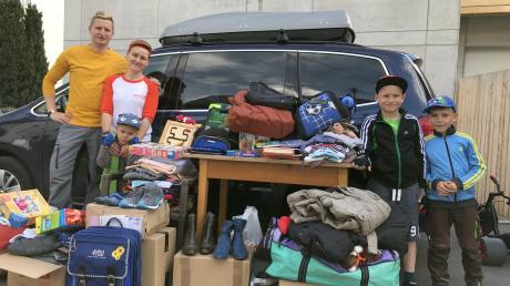 Familie Braun unterstützt hilfsbedürftige Menschen in ihrem Heimatland Ungarn. Zuletzt bestand ihr privater Hilfstransport aus knapp 400 Geschenken.