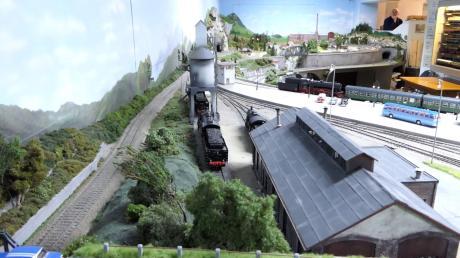 Eine 80-Quadratmeter-Modelleisenbahnanlage ist am 5., 6. und 12. Januar in Westheim im Bahnhof zu bewundern.