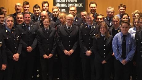 Mit dieser Truppe geht die Feuerwehr Leitershofen ins neue Jahr.