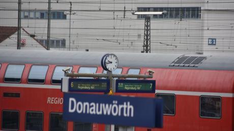 Die Pläne zum Ausbau der Bahnstrecke zwischen Augsburg und Donauwörth bleiben unkonkret.
