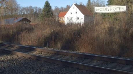 Der Gemeinderat in Ustersbach verfolgt mit dem geplanten Streckenausbau der Bahnlinie zwischen Augsburg und Ulm ein klares Ziel: die Wiederaktivierung des stillgelegten Bahnhalts im Ortsteil Mödishofen.