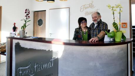Elisabeth und Karl Heberle betreiben seit Kurzem nicht nur ein Irish Pub in Dinkelscherben, sondern auch ein kleines Hotel.