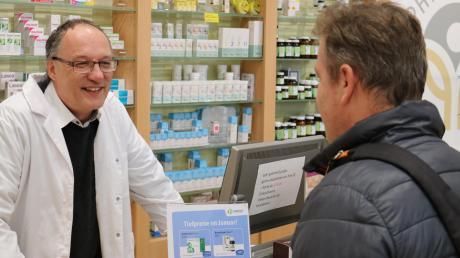 Dr. Franz Willer von der Paracelsus-Apotheke in Schwabmünchen hat wie viele seiner Kollegen auch damit zu kämpfen, dass viele Medikamente nicht lieferbar sind.