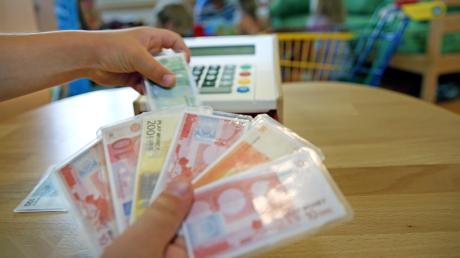 Das Thema Mehrkosten beim Bau des Kindergartens in Hausen und der damit verbundene Rücktritt des ehemaligen Vorsitzenden des Rechnungsprüfungsausschusses, Andreas Köglowitz, bleibt Thema in der Gemeinde Diedorf.
