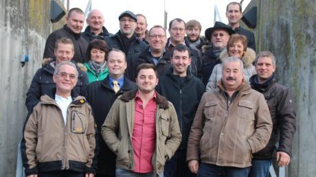 Gruppenfoto der Kandidaten der Unabhängigen Bürger Thierhaupten, die in Neu-kirchen aufgestellt wurden.