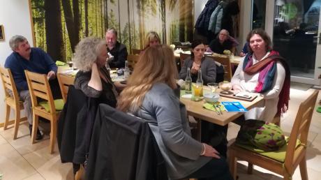 In Thierhaupten hat Claudia Drachsler-Praßler zusammen mit Carina Reitmair im Juni 2019 einen plastikfreien Stammtisch ins Leben gerufen.