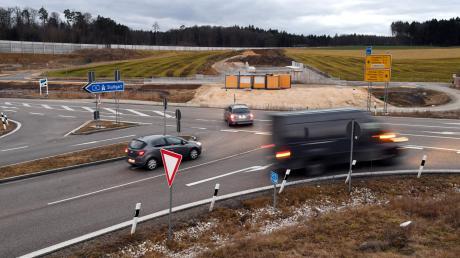 Die Umfahrung Adelsried ist das derzeit größte Straßenbauprojekt im Landkreis Augsburg.