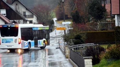 Dauerregen hatte Anfang Februar vergangenen Jahres die Flüsse im Augsburger Land anschwellen lassen. Zahlreiche Straßen mussten gesperrt werden.