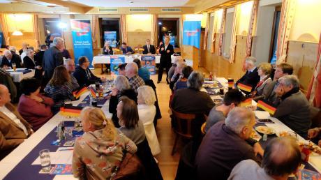 Die AfD-Ortsgruppe Meitingen feierte in Ellgau das siebenjährige Bestehen der Bundespartei.