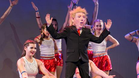 Bei einer getanzten Reise durch Amerika der Tanzschule Dance Emotion durfte natürlich Präsident Donald Trump nicht fehlen.