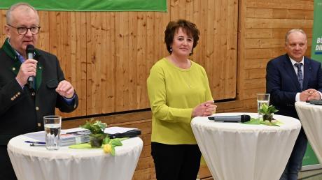 Einer Podiumsdiskussion stellten sich die drei Gablinger Bürgermeisterkandidaten: (von links) Jürgen Schantin (parteilos), Karin Ruf (CSU), Günther Reichherzer (Freie Wähler). In ihren Zielen fanden sich allerdings große Übereinstimmungen.